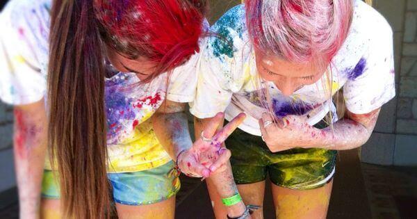 color-powder-fight