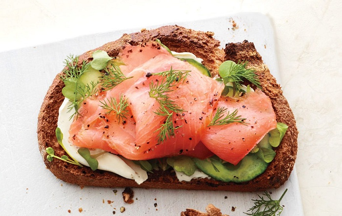 smoked salmon toast