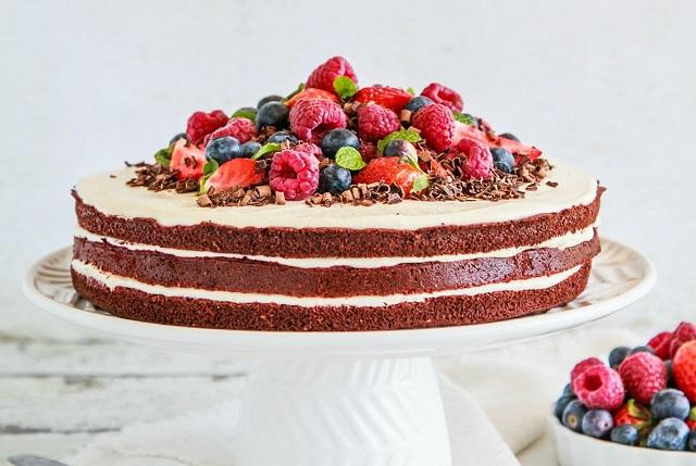 9 Irresistibly Healthy Birthday Cakes