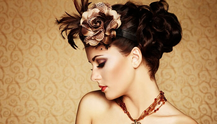 Gorgeous Lady Inspired Vintage Updo