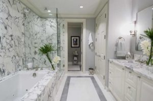 4 Ways to Spruce up Your Bathroom for Festive Guests