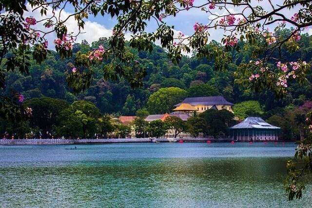 How to Spend a Couples Weekend in Kandy