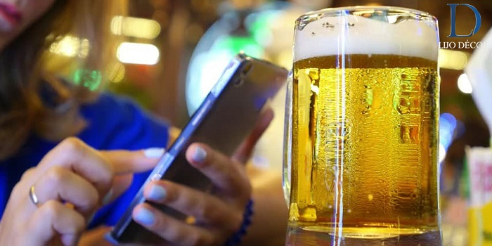Never Text When You Are Drunk-how to be happy in your 20s