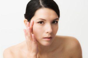 Safe Remedies to Get Rid of Under Eye Wrinkles