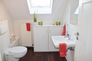 25 Small Bathroom Tricks That Makes A Big Statement