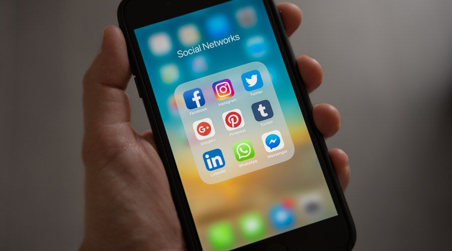 Advantages and Disadvantages of Social Media in Society