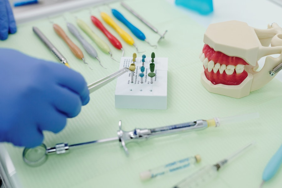 Things to Consider While Buying Dental Instruments Online