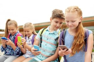 Useful Tips to Protect Your Child's Health from Internet Exposure