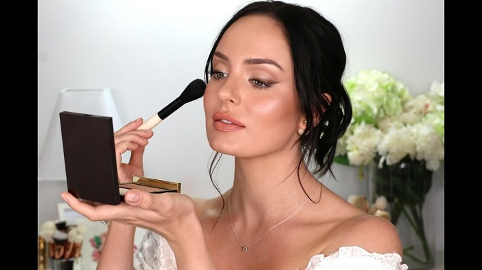 Get glowing makeup done for your wedding day