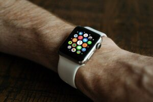 Ways to Extract Benefits from Smart Watch Features