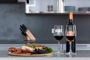 Benefits of Shopping for Red Wine Online