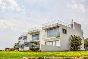 Pivotal Points in 2021 to Consider While Buying a House Overseas